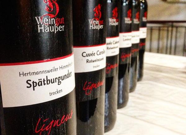 Weinflaschen von Weingut Häußer